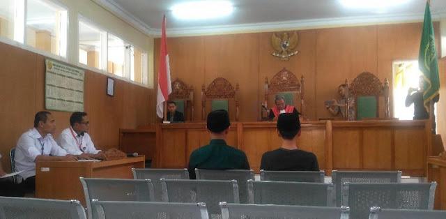 Dua Pembakar Bendera Divonis 10 Hari Penjara