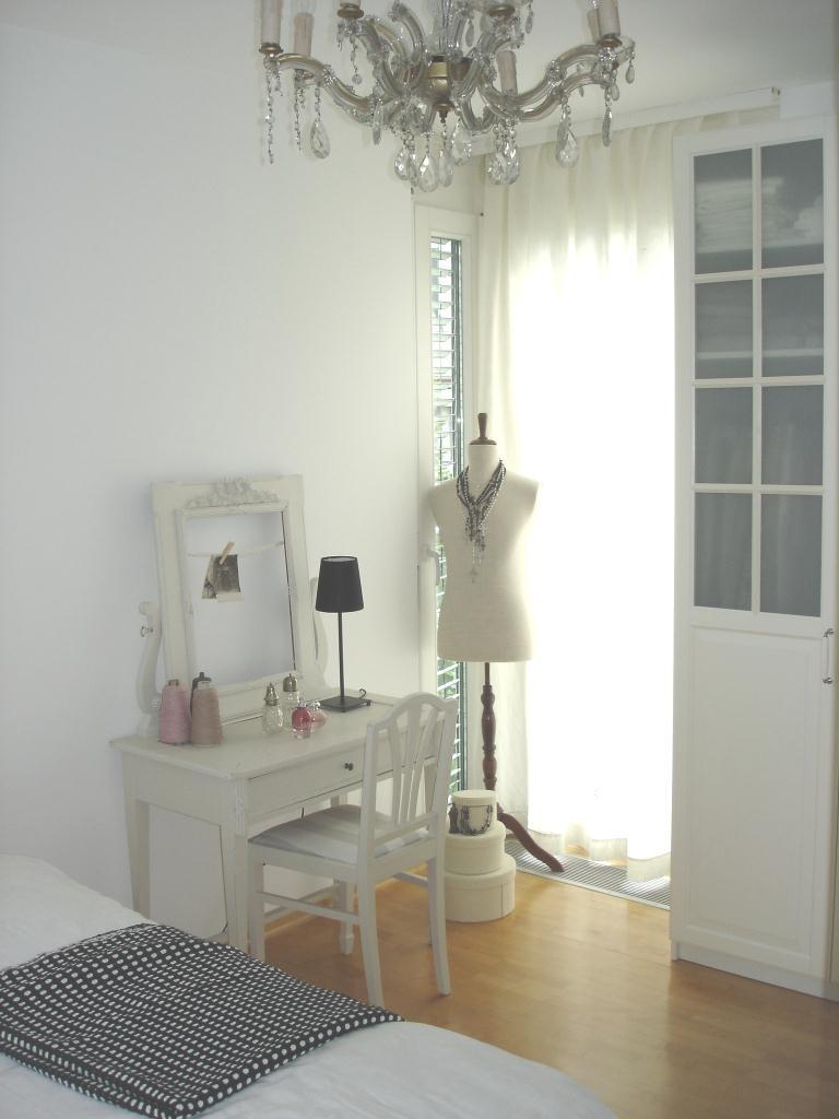 ein kleiner fortschritt mein neues schlafzimmer. Black Bedroom Furniture Sets. Home Design Ideas
