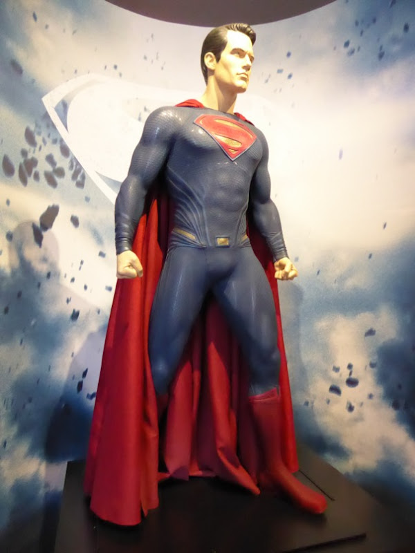 Henry Cavill Superman Dawn of Justice movie costume