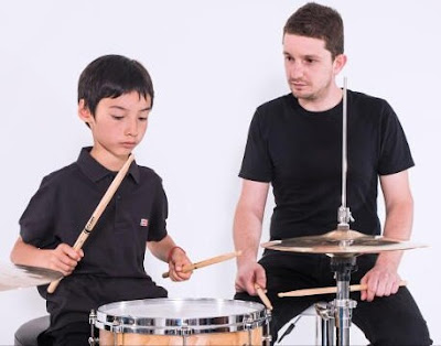 http://www.stateofmind.it/2016/11/musicoterapia-benefici-bambini/