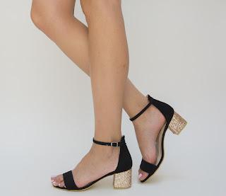 sandale negre cu toc auriu gros