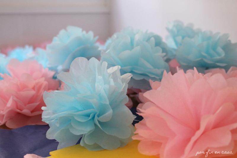 Cmo hacer flores y pompones de papel de seda por fin en casa