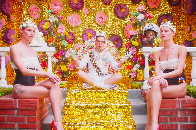 Video: Bleachers - Don't Take The Money