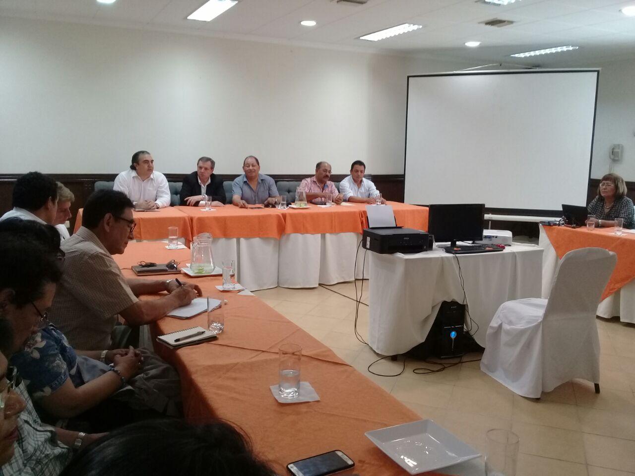 Delegados del Colegio Médico y autoridades de Gobierno se trasladarán a Cochabamba este lunes