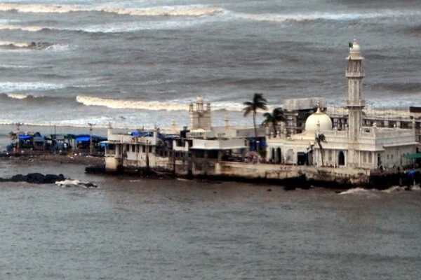 Ban on women at Dargah Haji Ali sanctum sanctorum to continue, for now