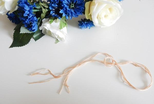 DIY : couronne de fleurs suspendue