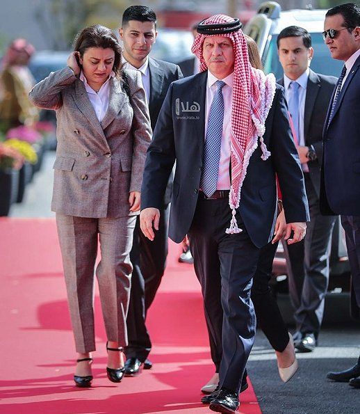 Queen Rania, Crown Prince Hussein,  Princess Muna, Princess Alia, Prince Feisal, Princess Zeina, Princess Ayah, Prince Talal, Princess Ghida