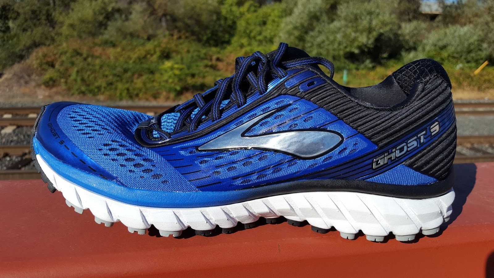 a7f86f0fde8 ... Brooks  Cushion Me series are soft and protective shoes that are great  for training and long runs. Let s get the basic specs out of the way. The Ghost  9 ...