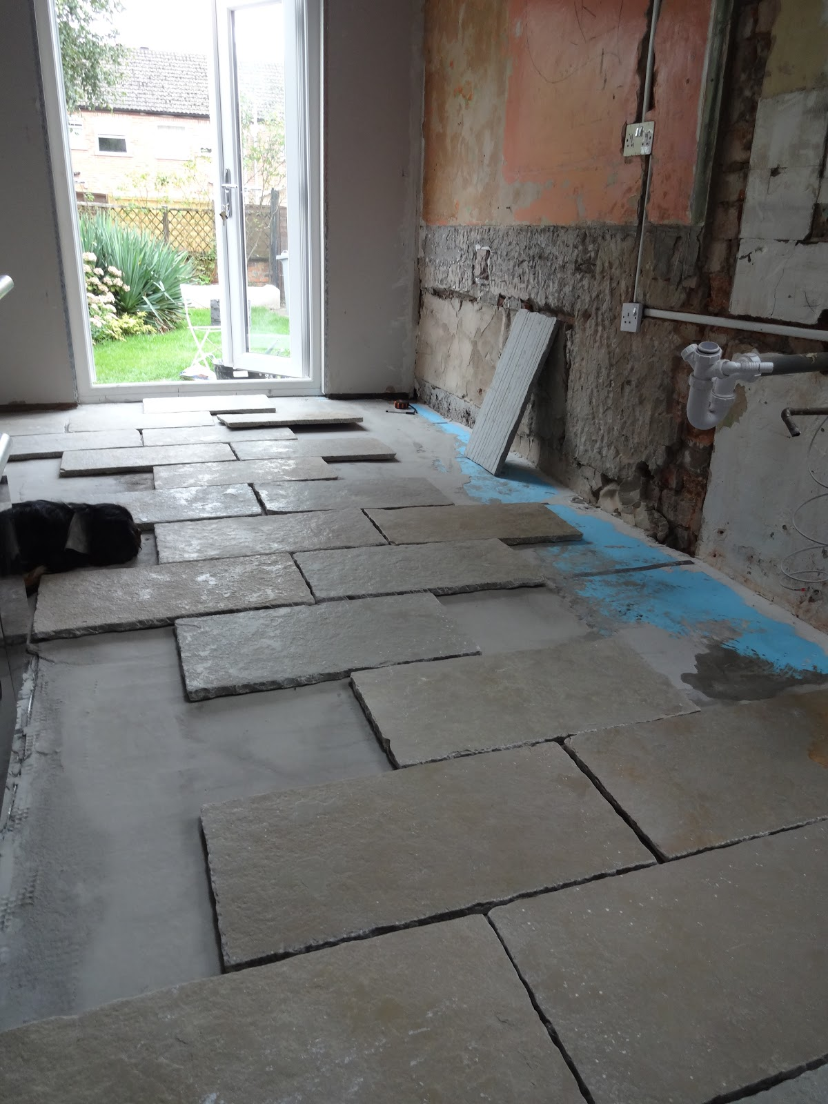 Kezzabeth uk home renovation interiors and diy blog how to lay limestone tiles dailygadgetfo Images