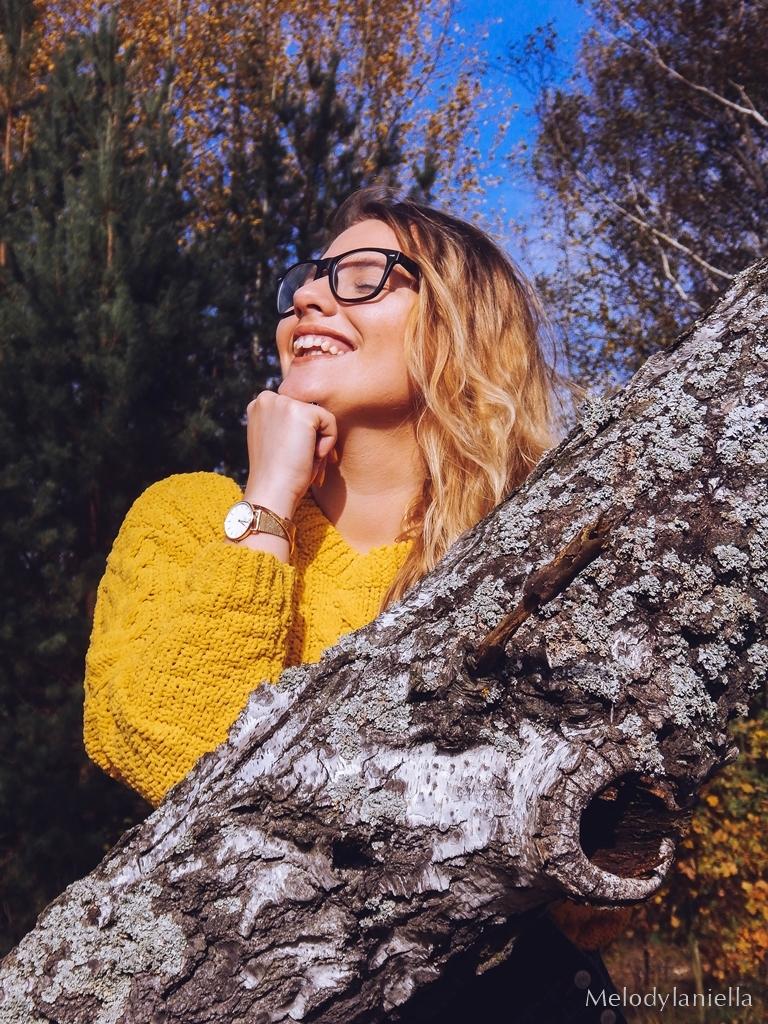 7 ogrodniczki jak dobrać do sylwetki hit czy kit gdzie kupić ogrodniczki jak nosić ogrodniczki pomysł na stylizację z ogrodniczkami jak ubierać się jesienią pomysł na żółty sweter jak nosić kolorowe skarpetki