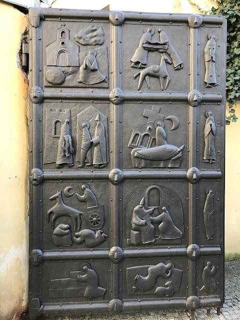 porte d'entrée du jardin des Franciscains Prague