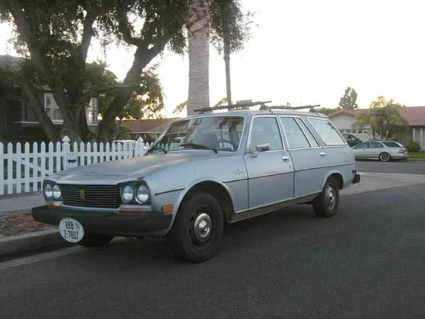 daily turismo: 3k: weirdo-mobile: 1976 peugeot 504 diesel wagon