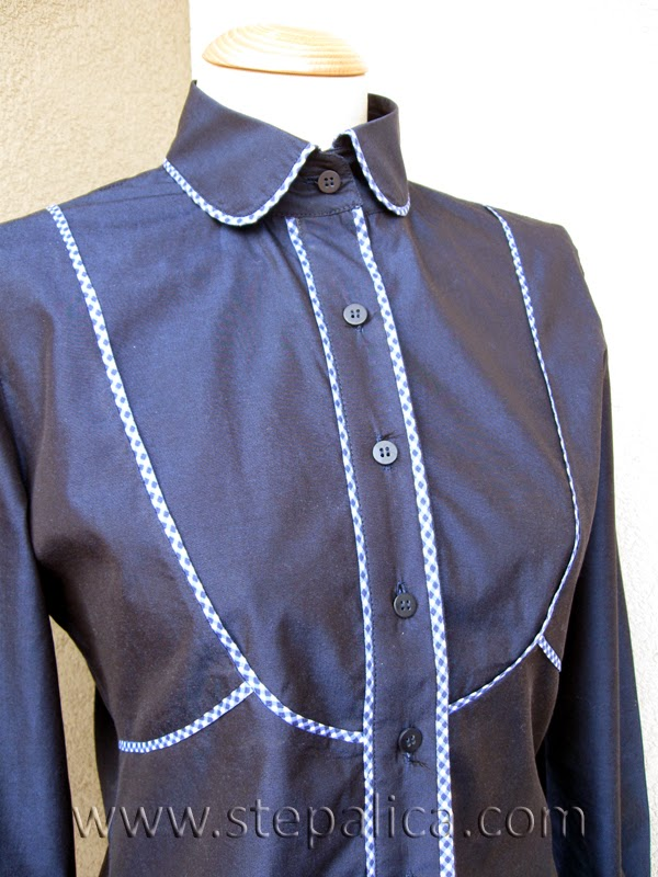 Stepalica: A shirt with piping details