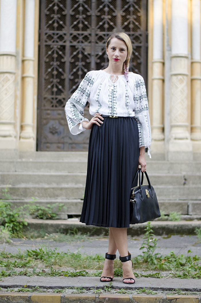 5 ways to wear the Romanian Blouse