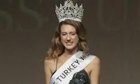 Η «Μις Τουρκία 2017» έχασε το στέμμα της μετά από tweet για το πραξικόπημα