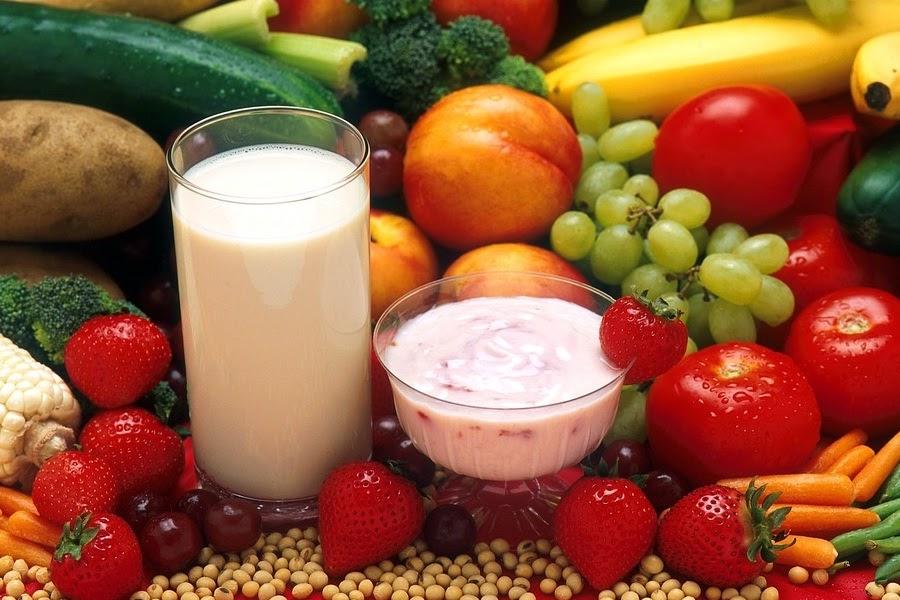 Frutas, legumes e Iogurte