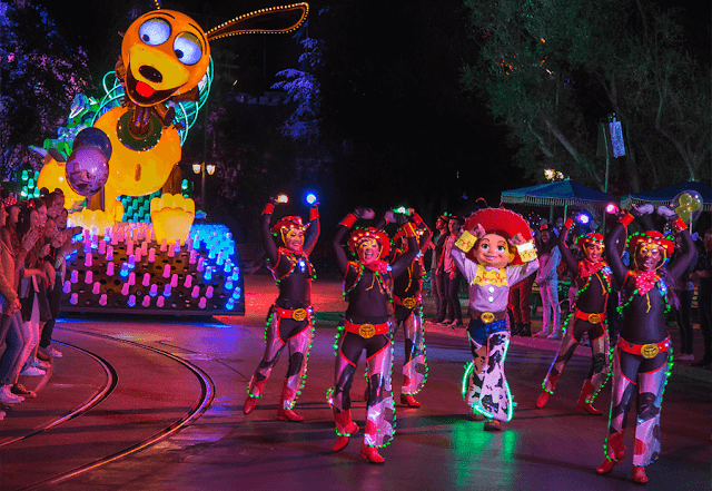Paint The Night vuelve a Disneyland Resort en 2018