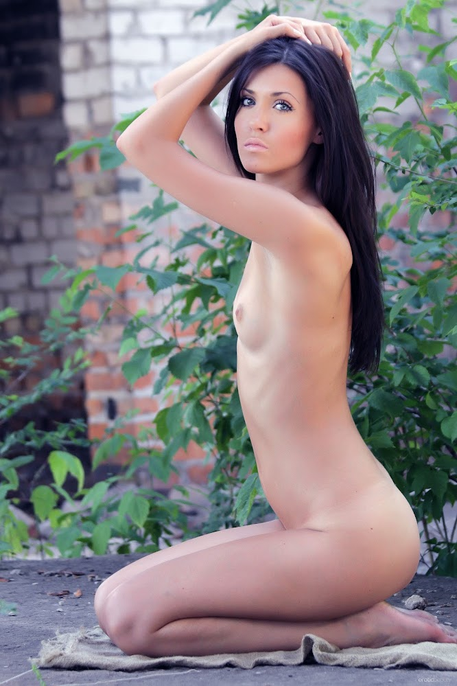 EroticBeauty Mary C Backyard Beauty