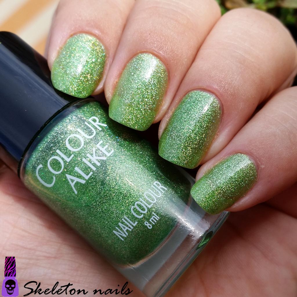 Skeleton nails: Manicura a capas. Lina nail art supplies. Reto Verde