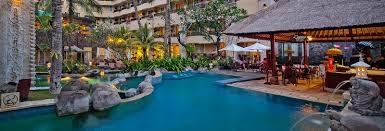 kutaparadisohotel.com