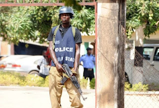 Police Nab Cab Driver While Robbing Passengers At Gun Point 1
