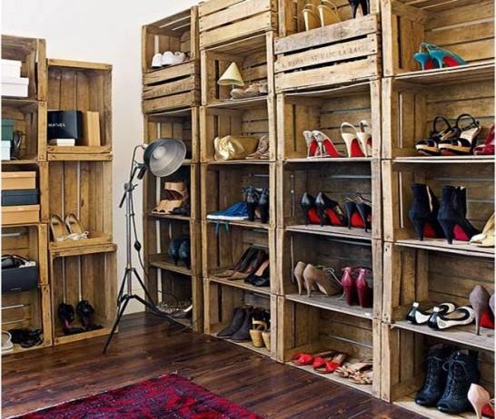 reutilizar caixotes de madeira sapateira closet