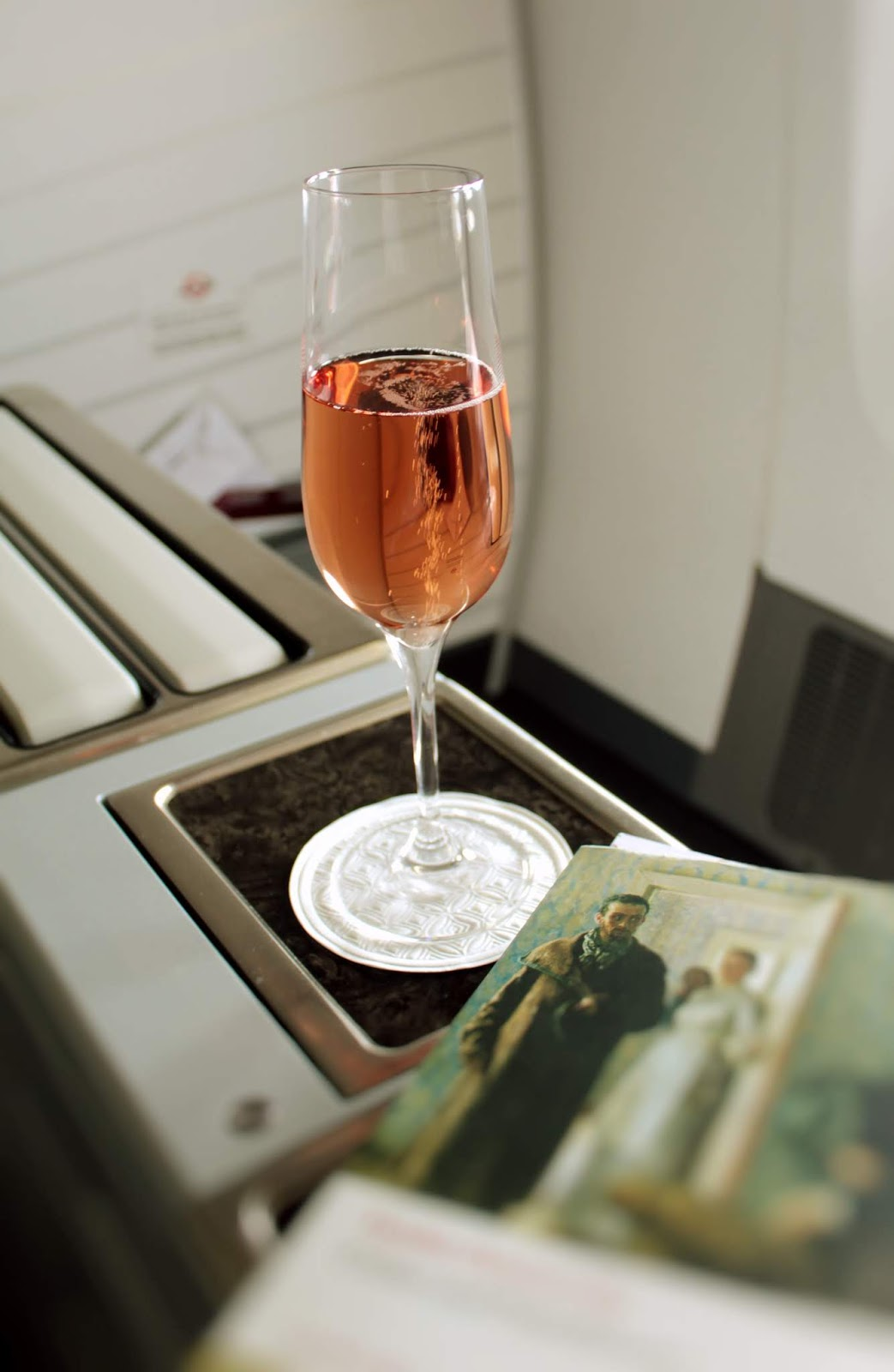 Champagne and Wine Service on Qatar Airways Business Class 777-300ER