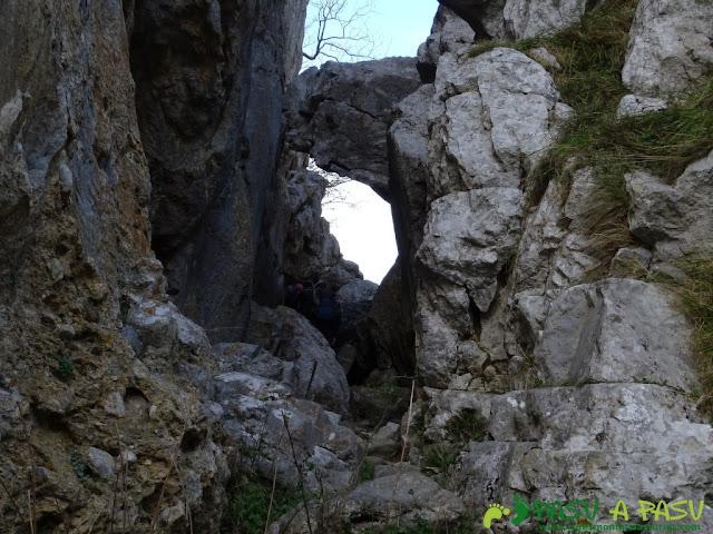 Ruta a Peña Melera y Los Pandos: Grieta sobre las Foces del Pino