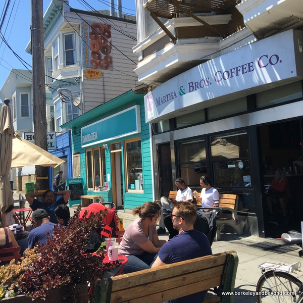 a perfect day in the Noe Valley neighborhood in San Francisco