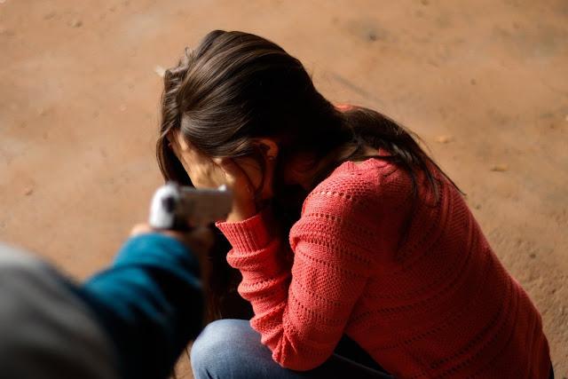 Só neste domingo (28), a Polícia Militar do Distrito Federal registrou sete casos de violência contra a mulher: cinco em Planaltina e dois em Sobradinho. As ocorrências vão desde discussão entre casais até agressão. A quantidade de chamados espantou a corporação, pois todos aconteceram ainda na tarde de hoje.