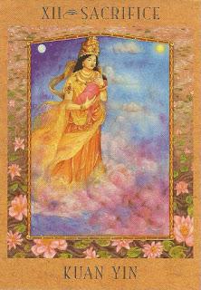 Tarot da Deusa Carta XII Kuan Yin
