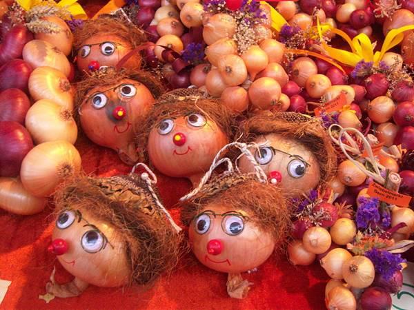 سوق البصل في بيرن (Zibelemäritباللغة الألمانية)  Image016-707489