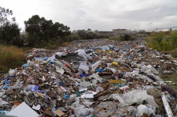 Βαρύς πέλεκυς στους Δήμους της Πελοποννήσου που επί δεκαετίες αδυνατούν να χωροθετήσουν έστω κι έναν ΧΥΤΑ
