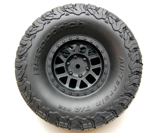 Axial SCX10 II tires and wheels