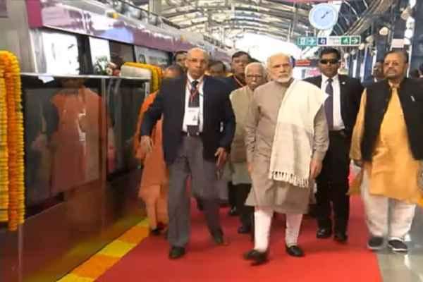 pm-narendra-modi-inaugurated-magenta-line-metro-station-image