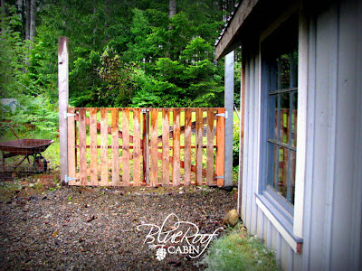 Pallet Gate | Pallet Projects To Use Around The Homestead
