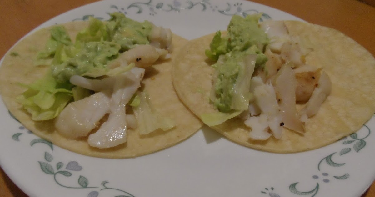 Cook with zee fish tacos with avocado sauce for Sour cream sauce for fish tacos