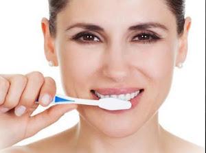 001755 Sbiancare i denti con metodi naturali