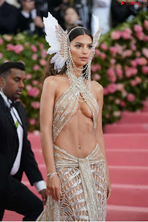 Emily Ratajkowski Expising her beautiful  at 2019 MET Gala in NYC .xyz Exclusive Pics 05