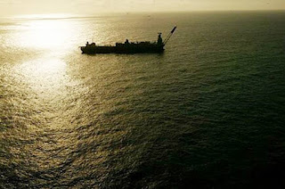 http://vnoticia.com.br/noticia/3576-mergulhador-passa-mal-durante-mergulho-e-morre-a-bordo-da-p-33