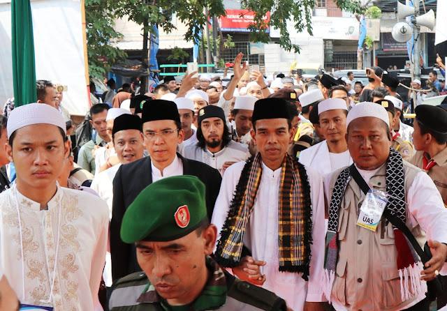Tablig Akbar di Banten, TGB & UAS Disambut Ribuan Masyarakat