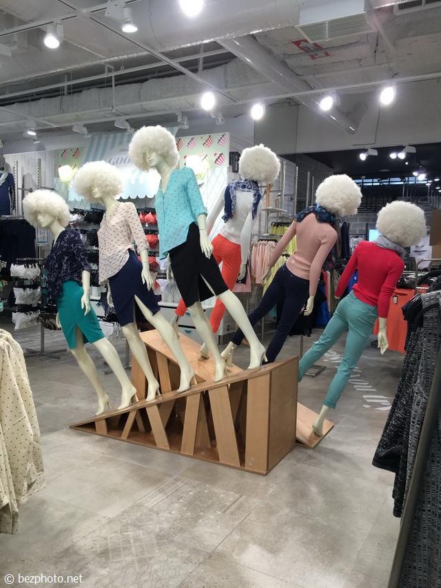 оформление бутика женской одежды 2016