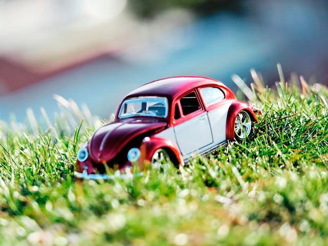 Hotwheels Miniature Volkswagen Beetle 2 Tone Color Combo