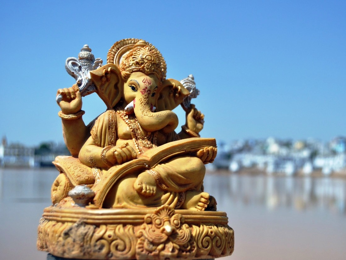 HINDU GOD WALLPAPERS: Bal Ganesh