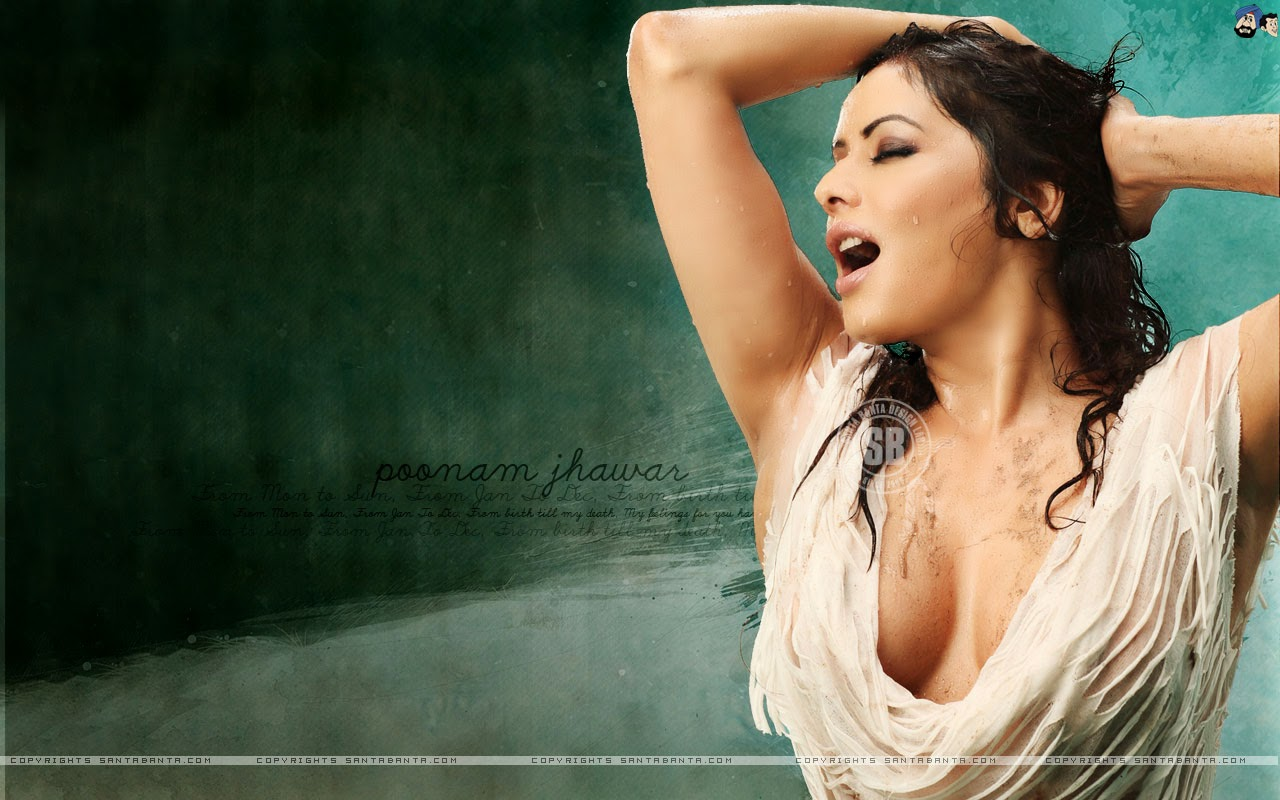 Drenched White Cloth Of Poonam Jhawar - Cleavage Show 2