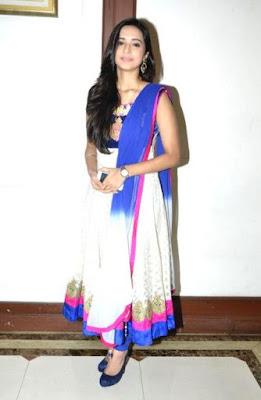 Merupakan seorang aktris televisi asal India Biodata Shivani Surve Terlengkap, Suami, Hobi, Fakta, Foto dan Banyak Lagi