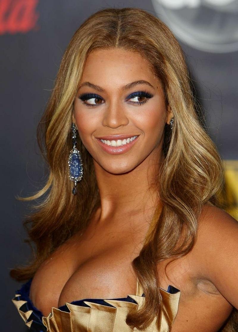 bra Cleavage Beyonce Knowles naked photo 2017
