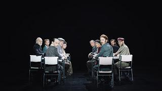 """""""Η τάξη μας"""" του Ταντέους Σλομποντζιάνεκ, σε σκηνοθεσία Τάκη Τζαμαργιά."""