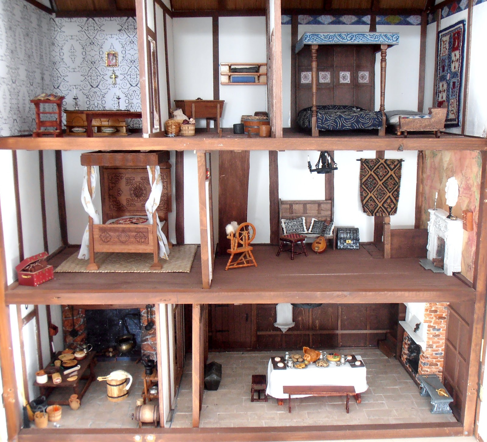 Dolls houses and minis tudor dolls house more on the interior Tudor home interior design ideas