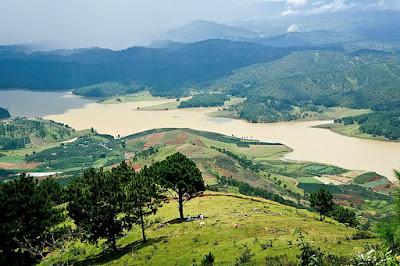 Khung cảnh nhìn từ đồi Robin (núi Langbiang)